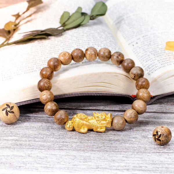 Golden Pixiu Single Round Agarwood Bracelet