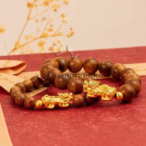 Pixiu agarwood beaded bracelet with 24k gold charm