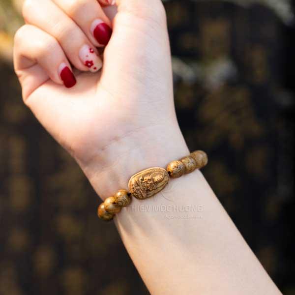 Aplications of agarwood bracelet/beads