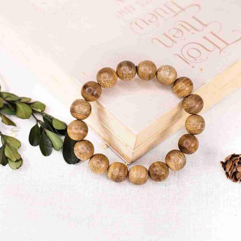 simple agarwood bracelet