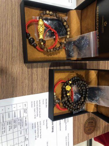 Carp agarwood beaded bracelet with 24k gold charm - premium photo review