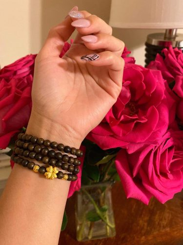 Blossom Indo agarwood beaded bracelet with 24k gold charm - premium photo review