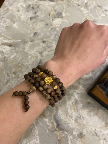 Blossom Indo 108 beads agarwood with 24k gold charm - premium photo review