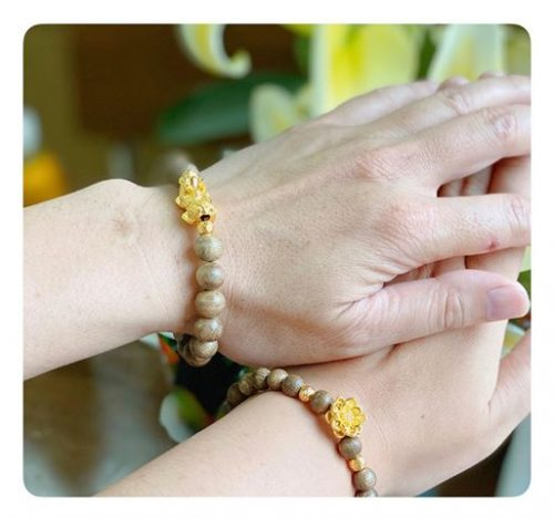 Single round lotus agarwood beaded bracelet with 24k gold - classic photo review