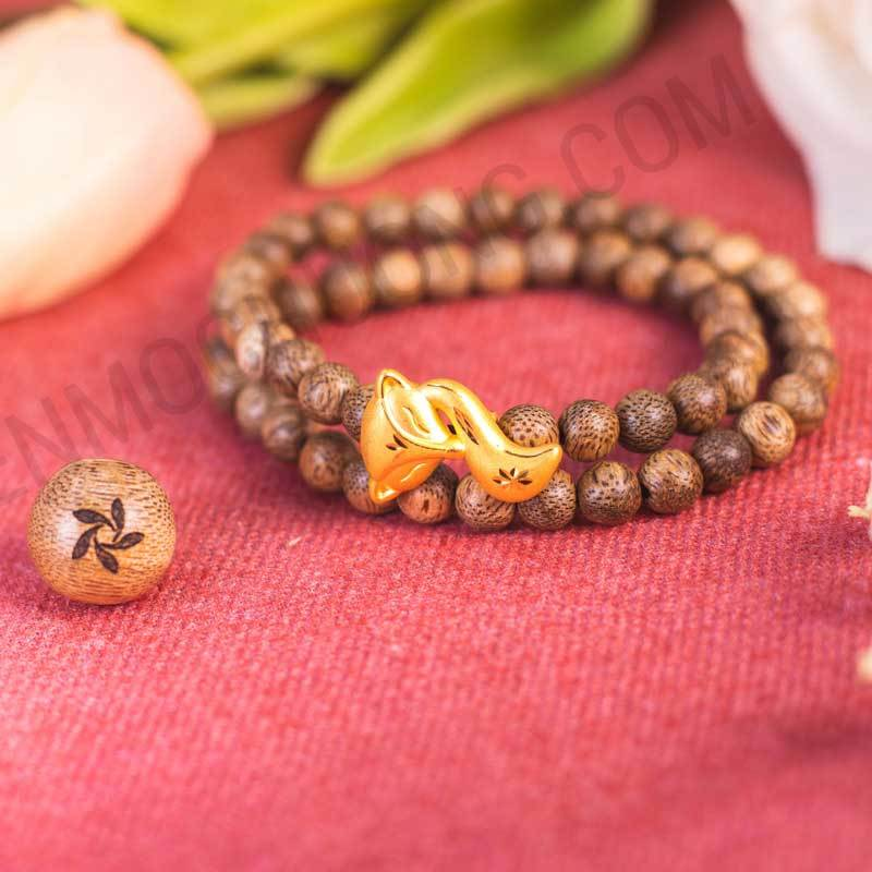 The meanings of Gold-wrapped - Agarwood gold charm Bracelet