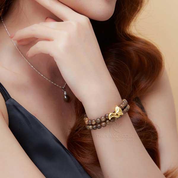nine-tailed fox agarwod bracelet