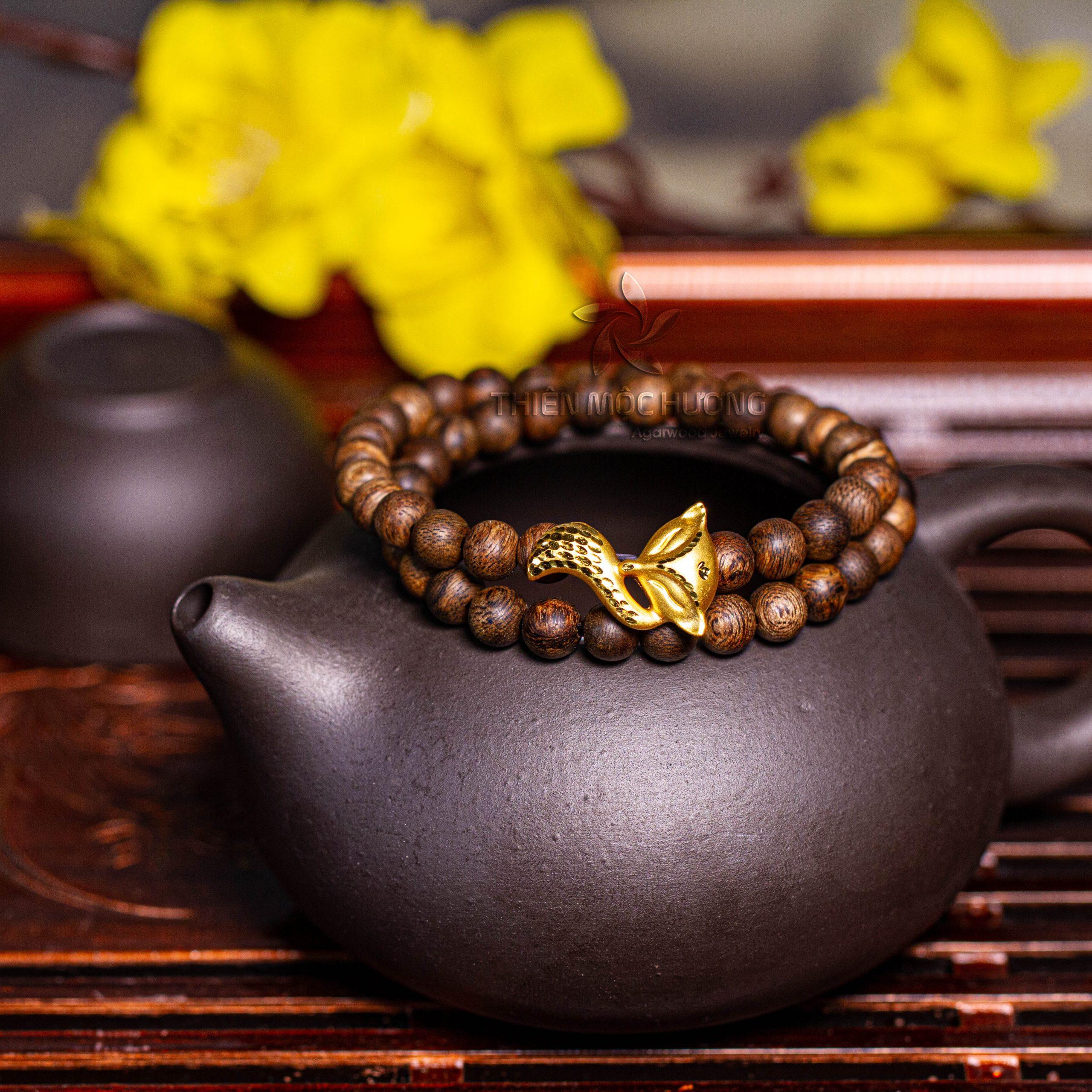 Philippines nine-tailed fox agarwood beaded bracelet with 24k gold charm - premium