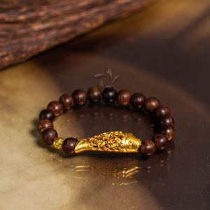 Carp agarwood beaded bracelet