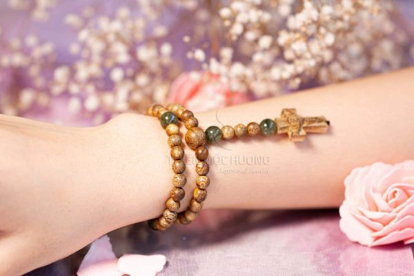Feng shui bracelet bring luck and property for the owner