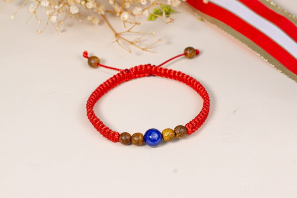 Agar-sapphire bracelet