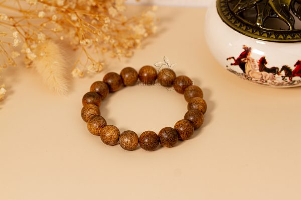 Toc agarwood is frequently used to make agarwood bracelets