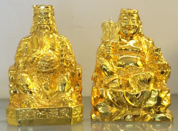 The God of wealth and prosperity in Chinese culture is a real historical figure, whose name is Pham Lai.